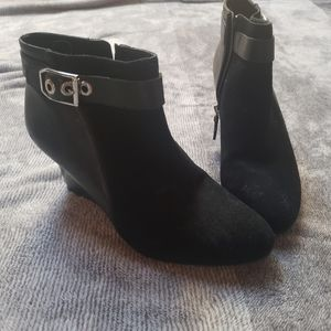 Shoes - Cute black Ankle Boots